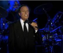 Julio Iglesias : un concert hors de prix qui fait polémique