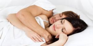 Vie de couple : bisous et câlins n'ont pas droit de cité dans la plupart des lits
