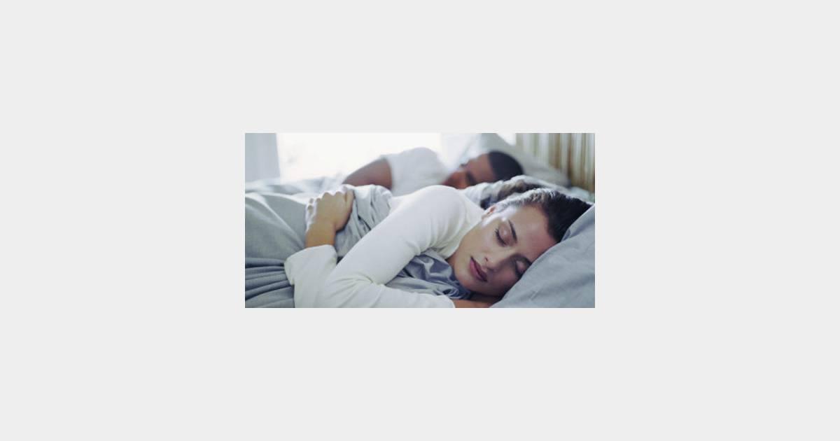 sommeil pour vivre heureux chacun son lit ou chacun sa couette. Black Bedroom Furniture Sets. Home Design Ideas