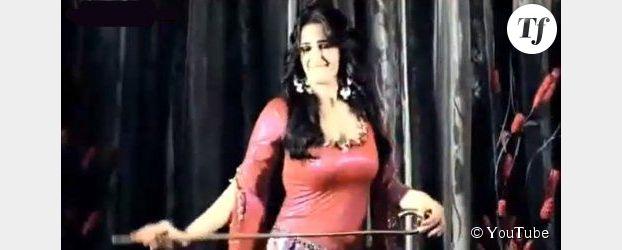 Égypte : une danseuse du ventre critique les Frères musulmans dans une vidéo