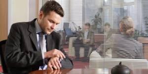 """Working Dads : les hommes sont cloués au """"plancher de verre"""""""