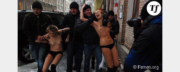 Seins nus, les Femen bravent la neige et le froid contre la corruption