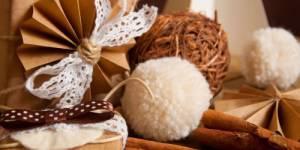 Guirlandes, boules, pâte à sel : des décos de Noël gratuites à fabriquer à la maison avec vos enfants pendant les vacances.
