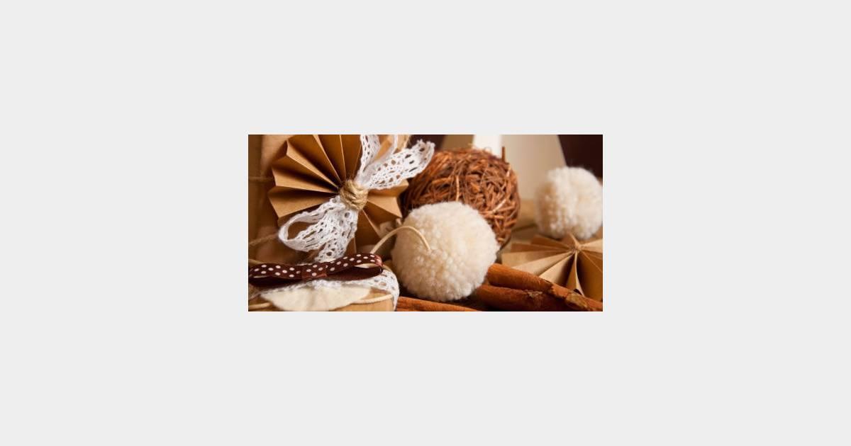 Guirlandes boules p te sel des d cos de no l gratuites fabriquer la maison avec vos - Pate a sel maison ...
