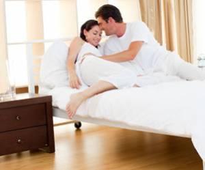 Offrez-vous un coach sexuel qui vous regarde faire l'amour
