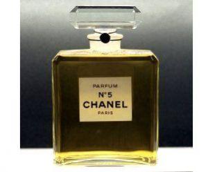 Dior, Chanel et Hugo Boss : côté parfums, les Français misent sur des valeurs sûres