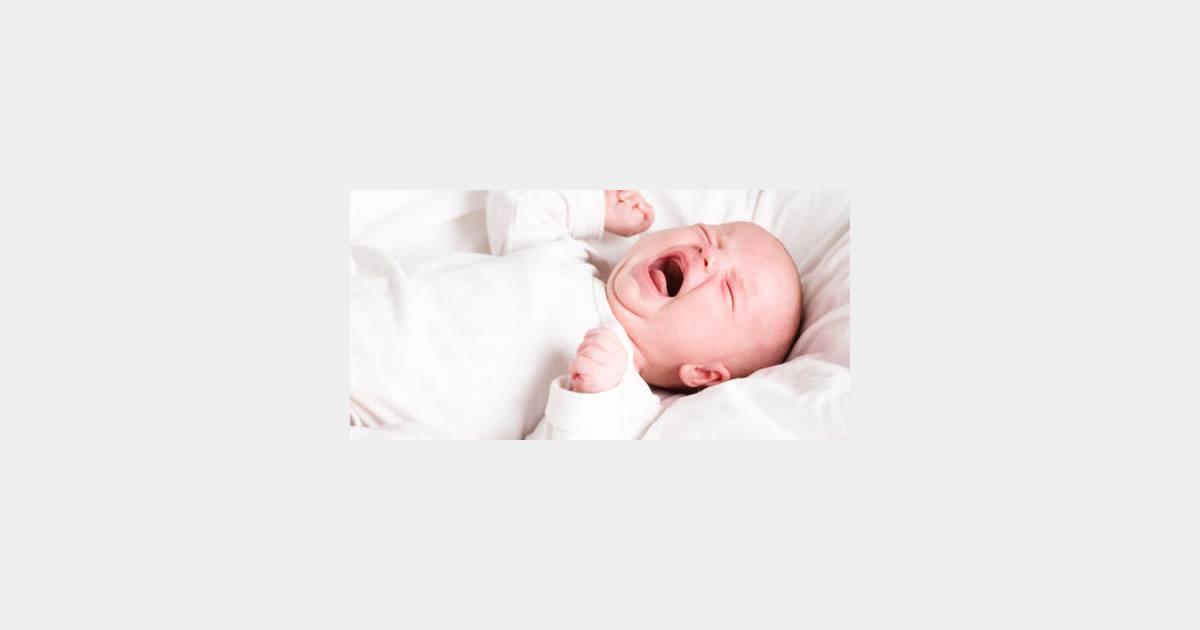 laisser b b pleurer peut aider trouver le sommeil terrafemina. Black Bedroom Furniture Sets. Home Design Ideas
