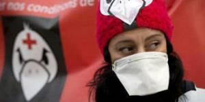 """""""Ni bonnes, ni nonnes, ni pigeonnes"""" : la révolte des infirmières au bord du burn out"""