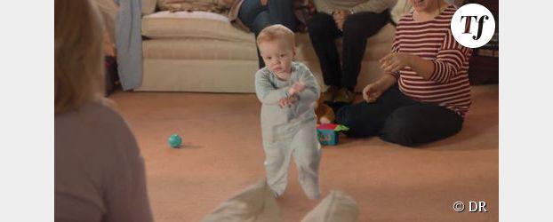 Gangnam Style : un bébé danse pour les cigarettes électroniques E-Lites - Vidéo