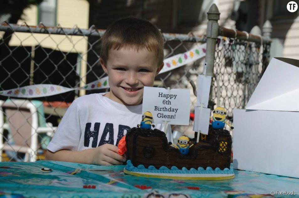 Glenn Buratti fête ses 6 ans avec le sourire.