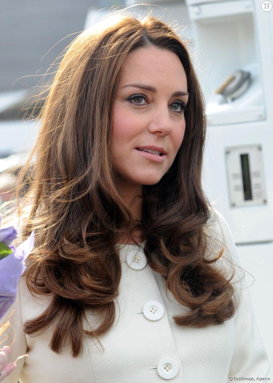 Kate Middleton en visite aux studios d'Ealing le 12 mars 2015.