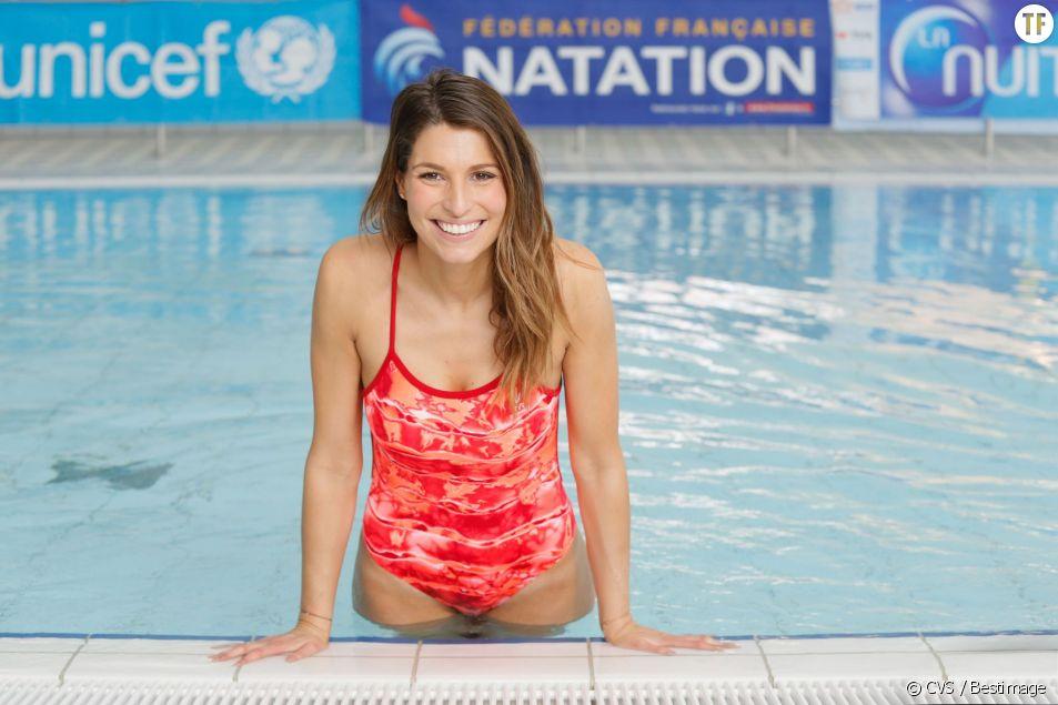 L'ex-Miss France Laury Thilleman pendant le défi de l'eau dans le cadre de la nuit de l'eau à la piscine de Puteaux. Le 13 mars 2015.