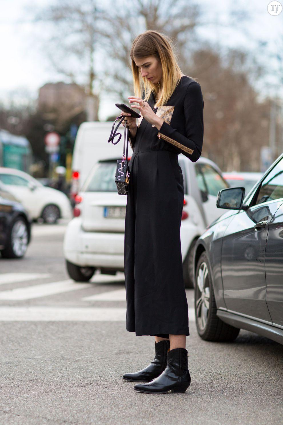 Street Style Printemps T 2015 Combinaison Noire Fluide Et Boots Esprit Santiags