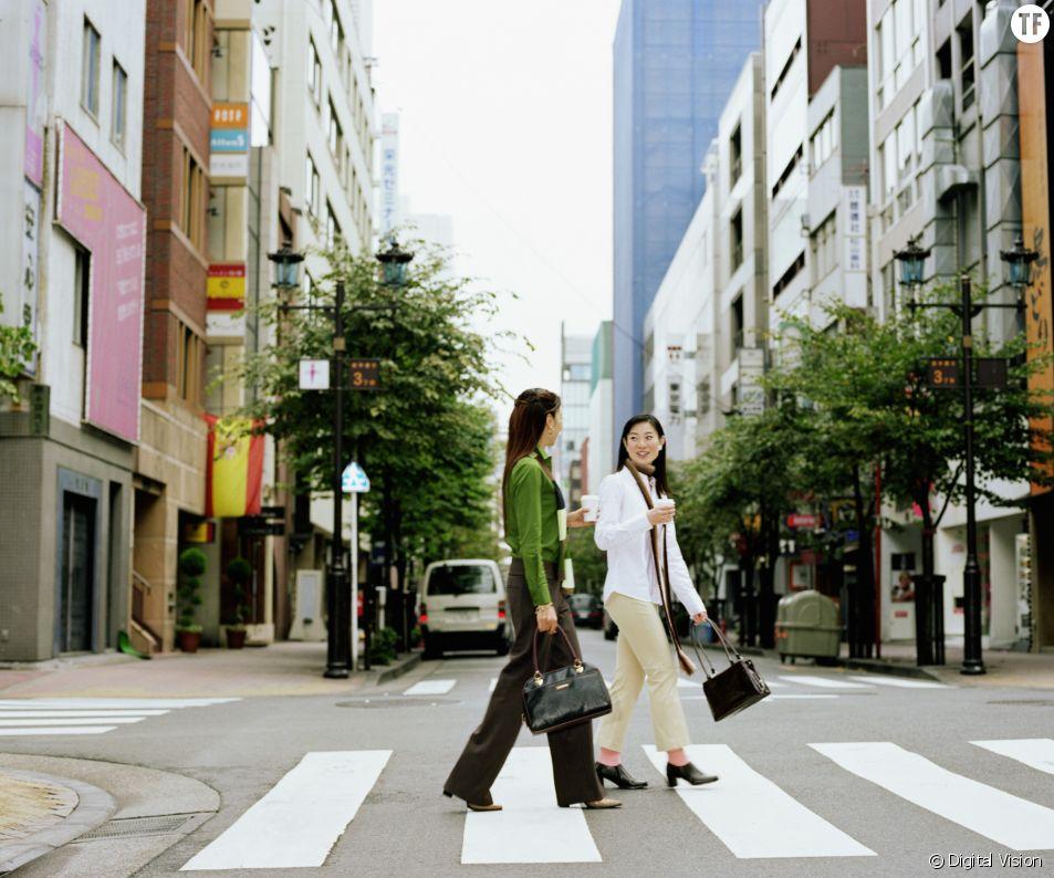 """Régulièrement victimes de """" matahara """" - de harcèlement de maternité -, près de 60% de Japonaises quittent leur emploi après la naissance de leur premier enfant."""