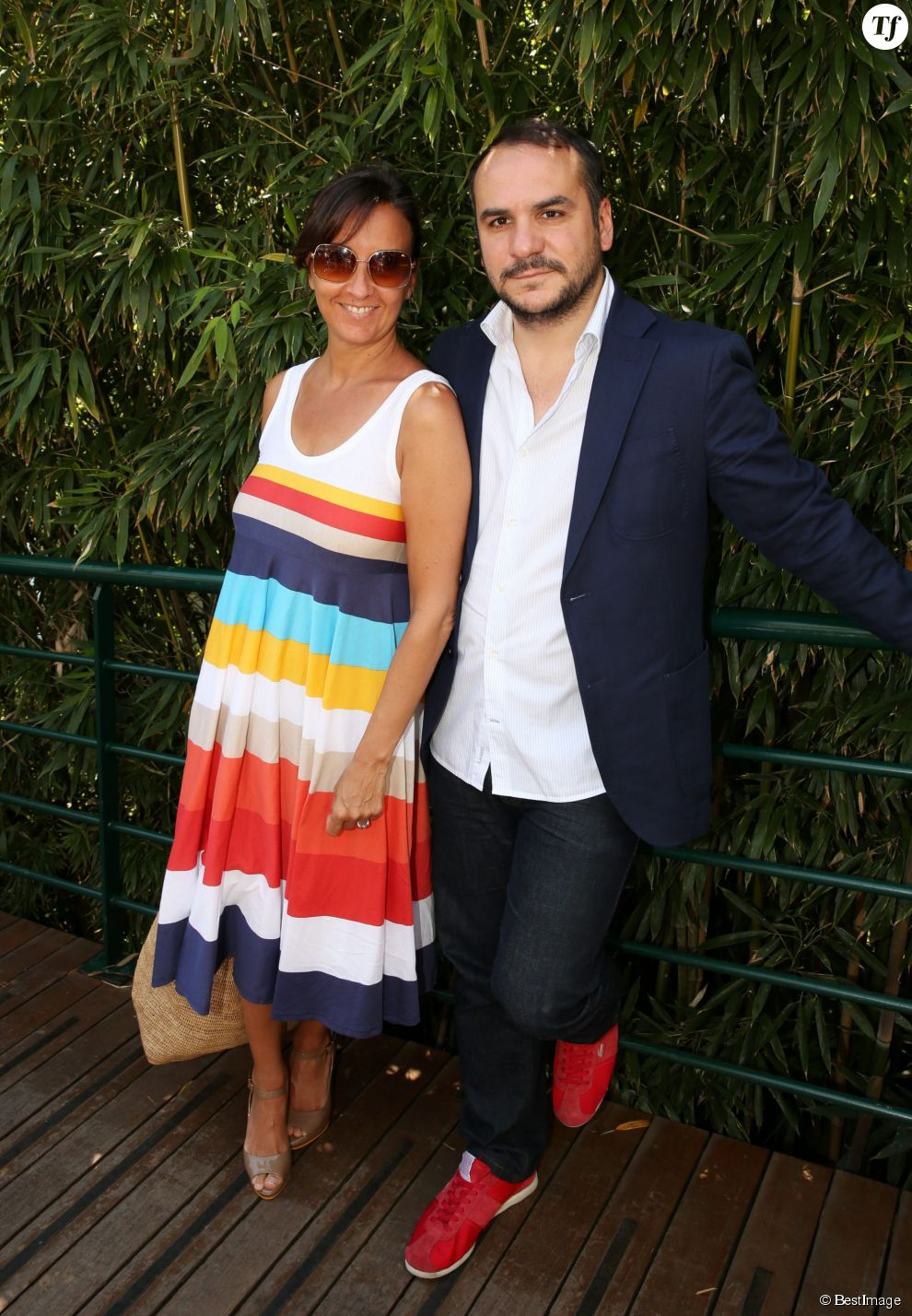Francois-Xavier Demaison et sa femme Emmanuelle - Jour 13 - People au village lors des Internationaux de France de tennis de Roland Garros le 7 juin 2013.