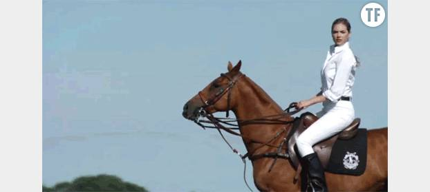 Il y a Kate Upton sur un cheval et puis, il y a nous.
