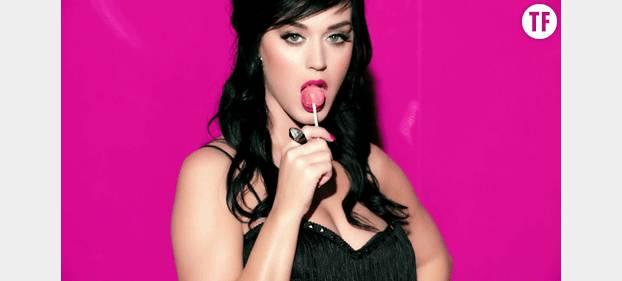 Katy Perry se la joue lolita avec sa lolipop