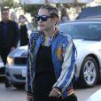 Miley Cyrus dans les rues de Malibu