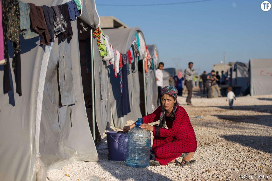 Jeune kurde syrienne dans un camp de réfugiés en Turquie, le 5 octobre 2014.