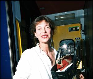 Jane Birkin et le sac portant son nom.