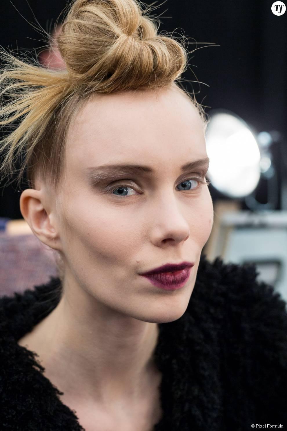 Bun décoiffé au défilé Marc Jacobs automne-hiver 2015-2016.
