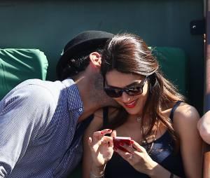 Sofia Essaïdi et son compagnon Adrien Galo - People dans les tribunes de Roland Garros lors de la Coupe Davis. Le 12 septembre 2014
