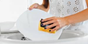 Faire la vaisselle, un remède miracle contre le stress ?