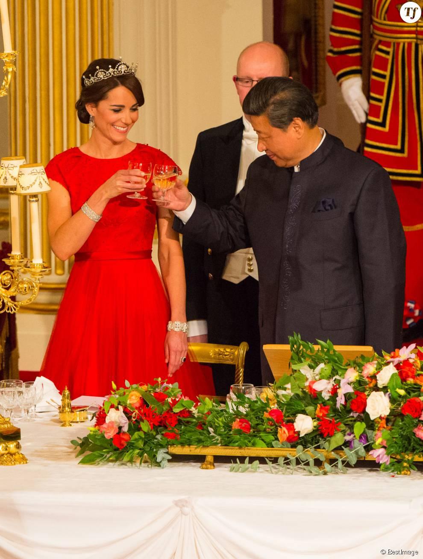 Catherine Kate Middleton, la duchesse de Cambridge et le président chinois Xi Jinping - La famille royale d'Angleterre reçoit le président chinois Xi Jinping et sa femme Peng Liyuan pour un dîner d'Etat au Palais de Buckingham le 20 octobre 2015.