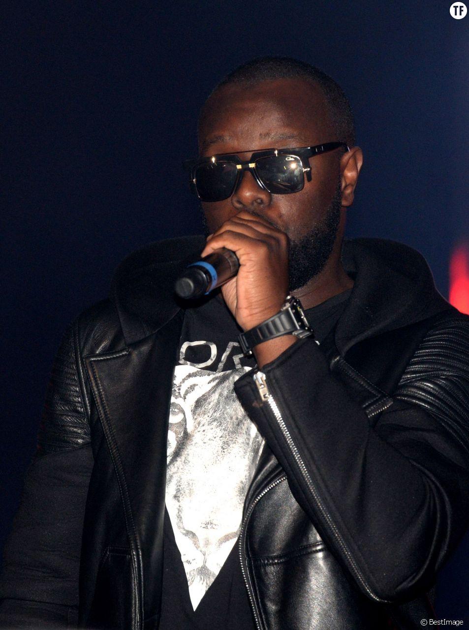 Maître Gims en concert à guichet fermé (vente-privee.com) au Théâtre de Paris, le 1er juin 2015.