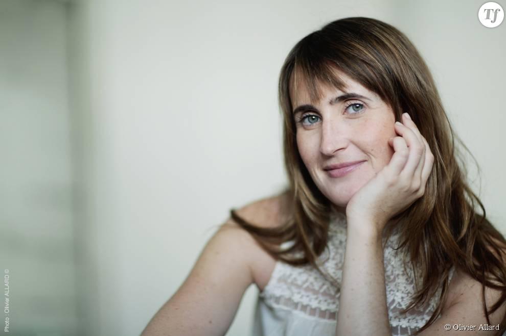 """Le témoignage drôle et touchant de Sarah Pébereau dans """"Sarah 30 ans, mon cancer, même pas peur!""""."""