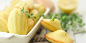 La recette des madeleines salées aux lardons, olives et thym