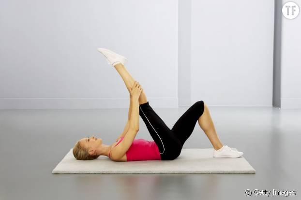 5 exercices de gym pour soulager le mal de dos for Douleur interieur cuisse droite