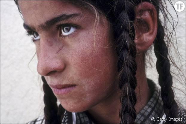 Une fillette yézidie à Dohuk, un camp de réfugiés dans le Kurdistan irakien