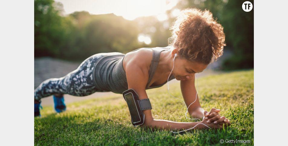 5 minutes de planche fun et ultra-efficace à faire tous les jours