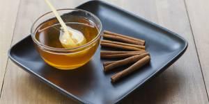 Les incroyables bienfaits d'une cuillère de miel et de cannelle chaque matin