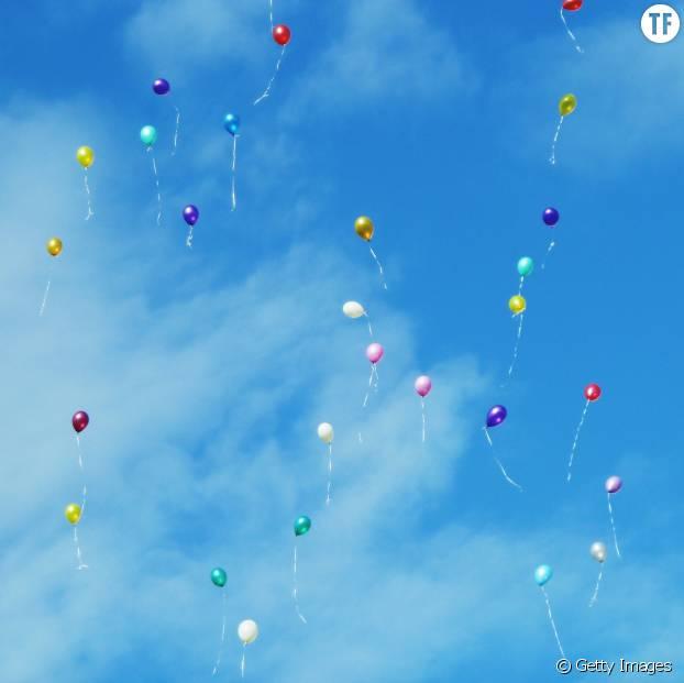 Des ballons qu'on envoie dans le ciel