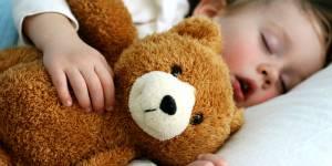 L'exercice facile de méditation pour aider les enfants à s'endormir