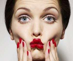 Faut-il mettre du rouge à lèvres pour être mieux payée ?