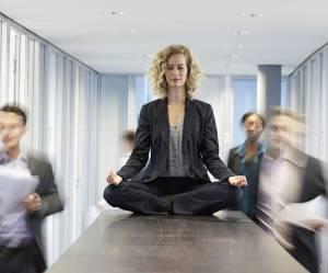 Comment la méditation peut nous aider au boulot
