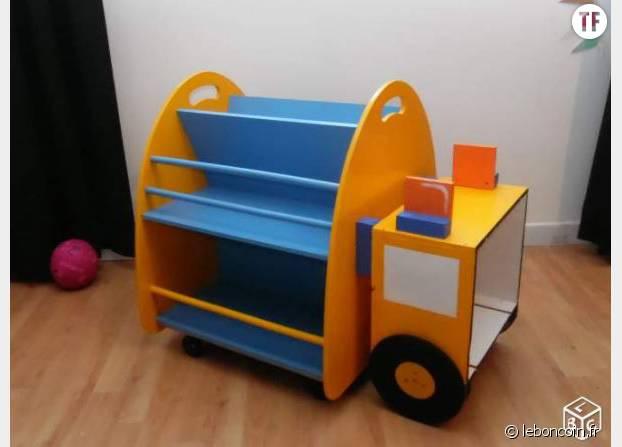 Etagère livre en forme de camion