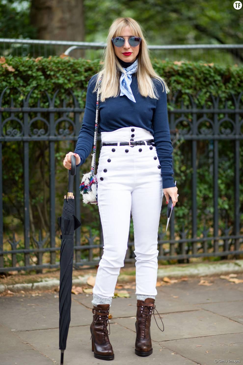 Un look futuriste en jean blanc