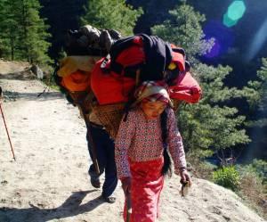 Cette femme de ménage a gravi l'Everest six fois
