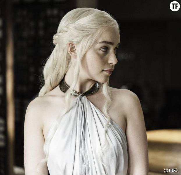 Au fil des épisodes, la puissante Daenerys nous offre des tresses de plus en plus spectaculaire.