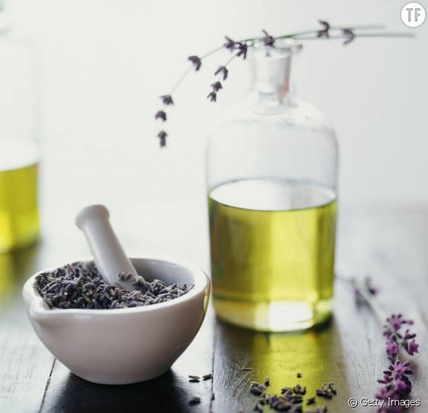 Remède DIY contre la migraine à base de lavande et de menthe poivrée