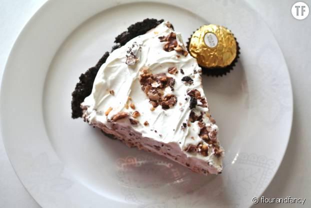 Insolite, une tarte sans cuisson aux Ferrero rochers