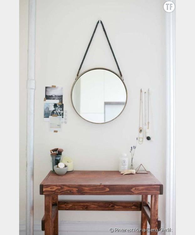 8 astuces magiques pour agrandir un petit appartement for Accrocher un miroir