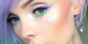 La tendance de l'eye-liner coloré pour un regard qui fera pop tout l'été
