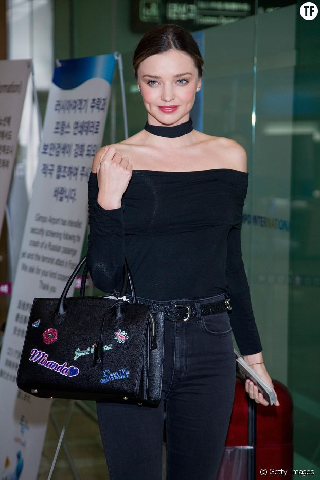 Miranda Kerr et son look au chocker revisité.