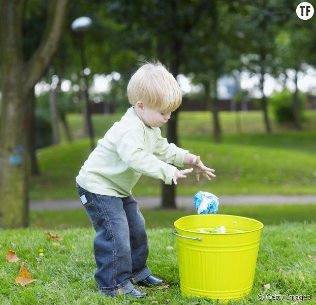 La technique de la poubelle magique pour calmer un enfant