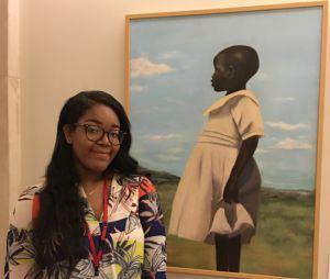 À 18 ans, cette jeune peintre expose dans l'un des plus grands musées au monde